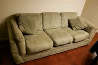 Couch Holbrook, 11741