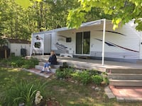 Lakefront 2009 Jayco 40' Park Model Trailer (15 minutes from Huntsville)