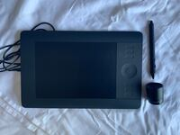 Wacom Intuos Pro Small (Wireless Graphic Tablet) New York, 10016