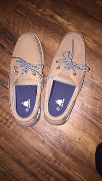 pair of brown leather boat shoes Del City, 73115