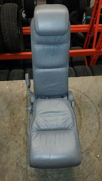 2008 Honda Odyssey 8th middle seat.
