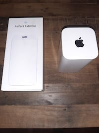 •Apple AirPort Extreme Base Station (ME918LL/A)• Toronto