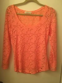 Brand new Abercrombie large lace top