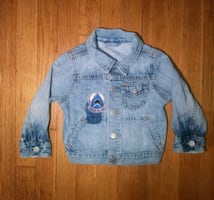 Baby Gap Baby Shark Patch Blue Jean Denim Jacket ???? 18 - 24 months