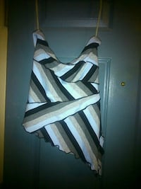 Never worn size small  London, N5W 2Y8