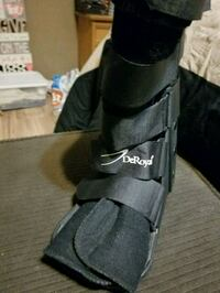 Medical boot right foot Zephyrhills, 33544