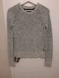 Roots Sweater London