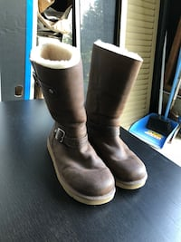 【UGG】Leather Boots