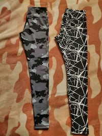 2 Pairs of Womens CompressionZ Leggings Size L