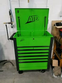 green and black tool cabinet Mount Royal, H3R