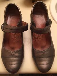 Taos Bronze leather shoes Burnaby, V5C 3T8