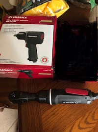 black and gray Craftsman cordless power drill with box 817 mi
