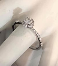 18k white gold Halo diamond engagement ring *Appraised at $3,100 Vaughan, L4J