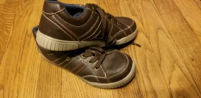Never worn boys shoes