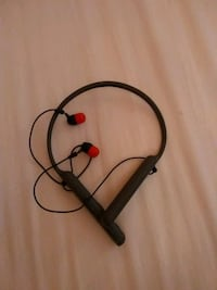 black and red Beats by Dr Tempe, 85281
