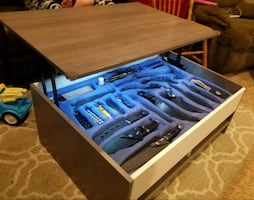 Lift Top Coffee Table  Includes A HUGE Knife Collection
