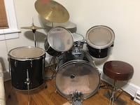 Used Pearl Drum set Export series....Obo Chester, 23831