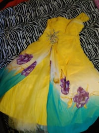 Off the shoulder yellow prom dress Moorhead, 56560