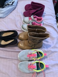 three pairs of assorted shoes El Paso, 79915