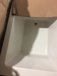 """High quality Bath Tub 48""""x32"""" Deep special order tub , brand new in the box  Rockville, 20850"""