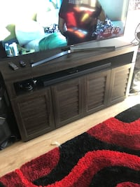 Beautiful 1month old tv stand console Henderson, 89011