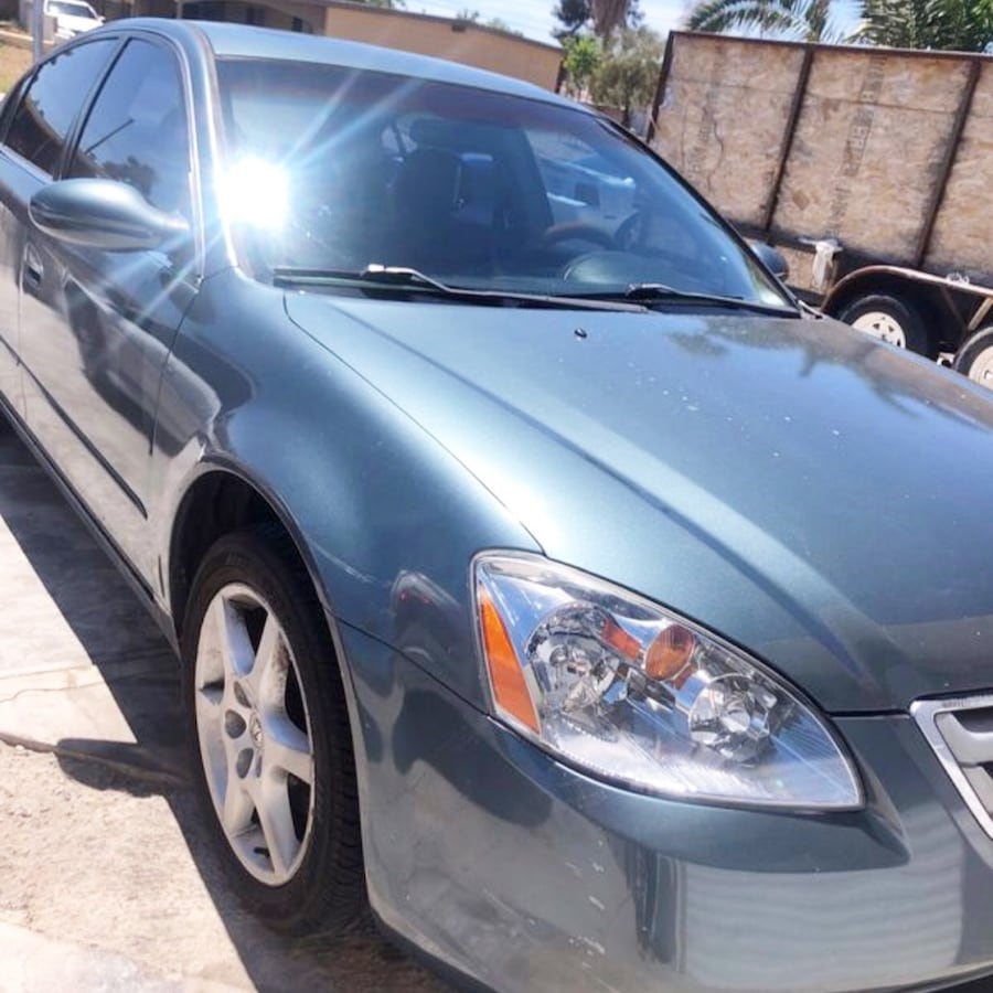 2002 Nissan Altima 2.5 S 4AT