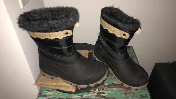 3770d98f6c23 Used kids Snow boots for sale in New York - letgo