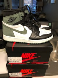 Jordan 1 Retro OG Clay Green size 9