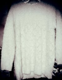EXTREMELY soft oversize sweater. *DISCOUNTED PRIC Apple Valley, 92307