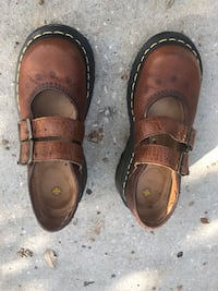 Pair of brown leather Dr Martens Women's Shoes, size 7, new Winter Garden, 34787