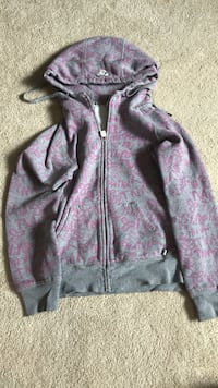 TNA Aritzia Gray zip-up hoodie Mississauga, L5L 5H8