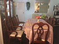 Dining room set Sterling