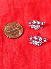 two pairs of silver and pink earrings Sayreville, 08872