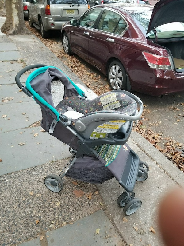 Winnie The Pooh Stroller And Car Seat