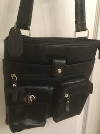 PELLE blk genuine leather handbag Surrey, V4N 0Y7