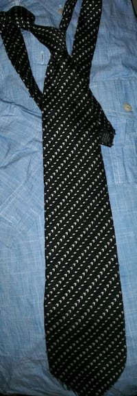 3 Florence ties and a umo lorenzo tie  Bakersfield, 93308