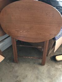 Round brown wooden pedestal table Fairfax, 22030