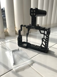 SmallRig Sony a7/s/r cage 1815 + SmallRig top handle 1638 Burnaby, V5M 0A8