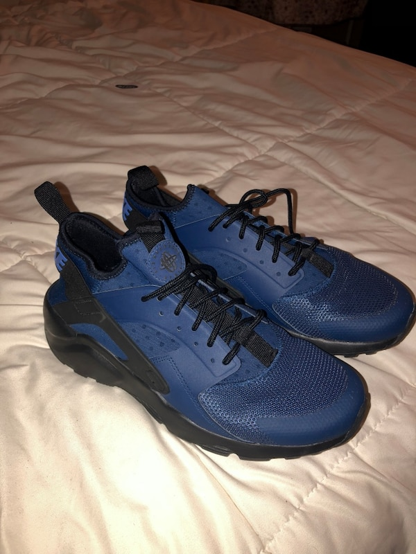 078a33c8628ee Used Blue Nike Huarache 8.5 for sale in Chicago - letgo