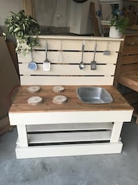 Natural Outdoor Play Kitchen for Children  Bolton, L7E 2T5
