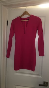 red deep v-neck long-sleeved bodycon midi dress Vaughan, L4H 3W5