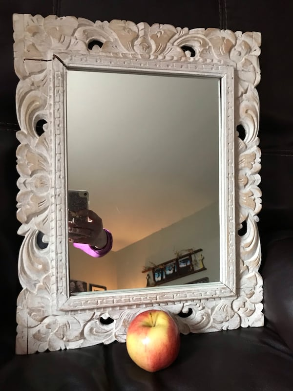 "White wooden framed wall mirror 19""x 15"" 5a23cb4b-57c8-4165-be9a-fd75ca976427"