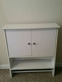 white wooden 2-door  bathroom cabinet 213 mi