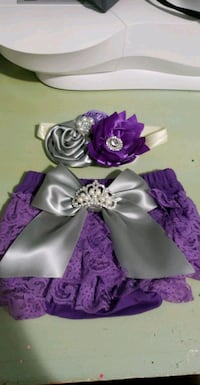 purple and white floral wreath Houston, 77002
