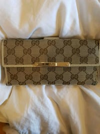 Gucci authentic wallet Toronto