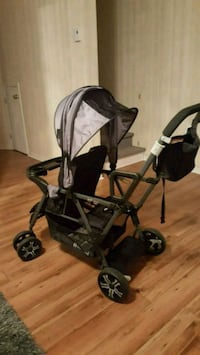 baby's black and gray tandem stroller Laval, H7W