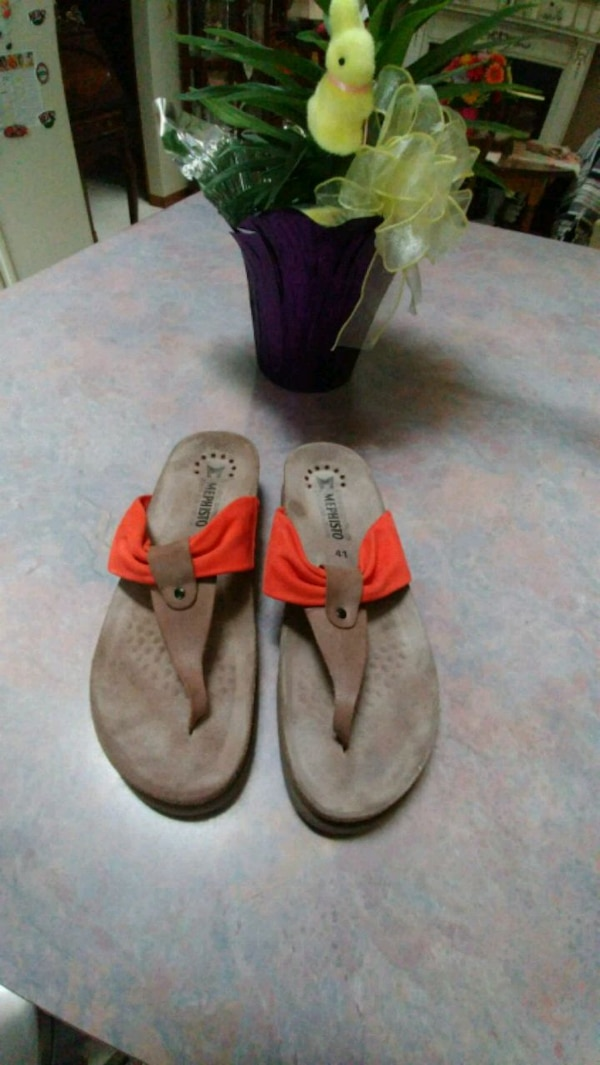 2b1a5aaf5 Used Mephisto Air-Relax Sandles for sale in Hamilton - letgo