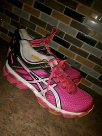 Pink Aces running shoes  Hamilton, L8H 5G9