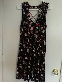 black and red floral sleeveless dress Fresno, 93701