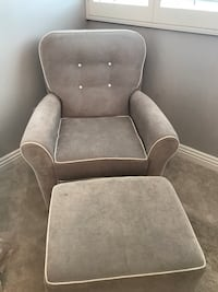 Swivel Rocking chair and ottoman Los Angeles, 91343